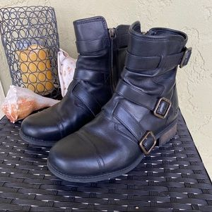 UGG Finney Black Strappy Calf-High Moto Boots; 7